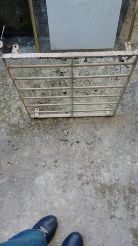 grade de janela banheiro 60*60
