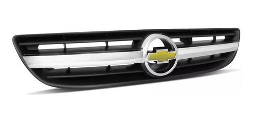 grade dianteira radiador zafira 2003 a 2011 c/ friso cromado