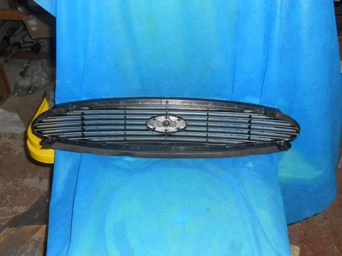 grade do radiador cor preta mondeo 96/2001 original ford