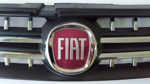 grade fiat stilo com friso cromado e emblema 2008 a 2012