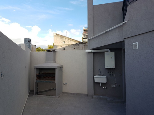 gral. artigas 2200. 3 amb. duplex.patio contrafrente venta.