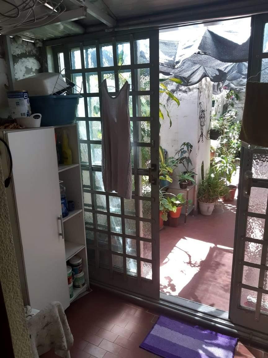 gral paz plaza alberdi. 2 dorm y patio! gastos bajos.