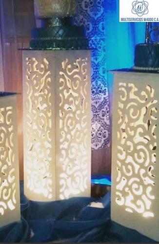 grama artificial parabanes sala lounch mesas iluminadas