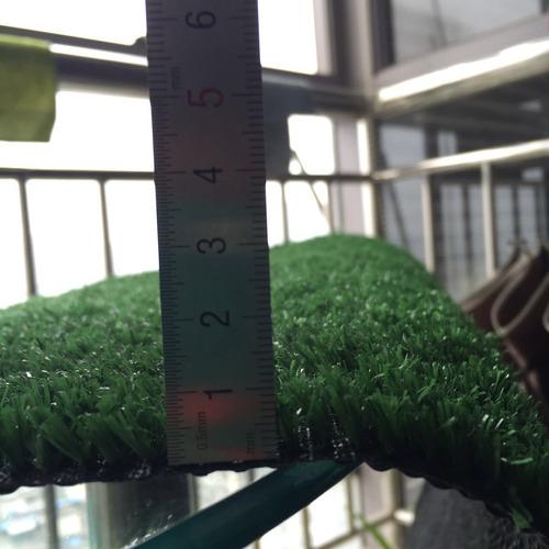 grama sintética decorativa playground jardim 0,5x2m (1m² ) *