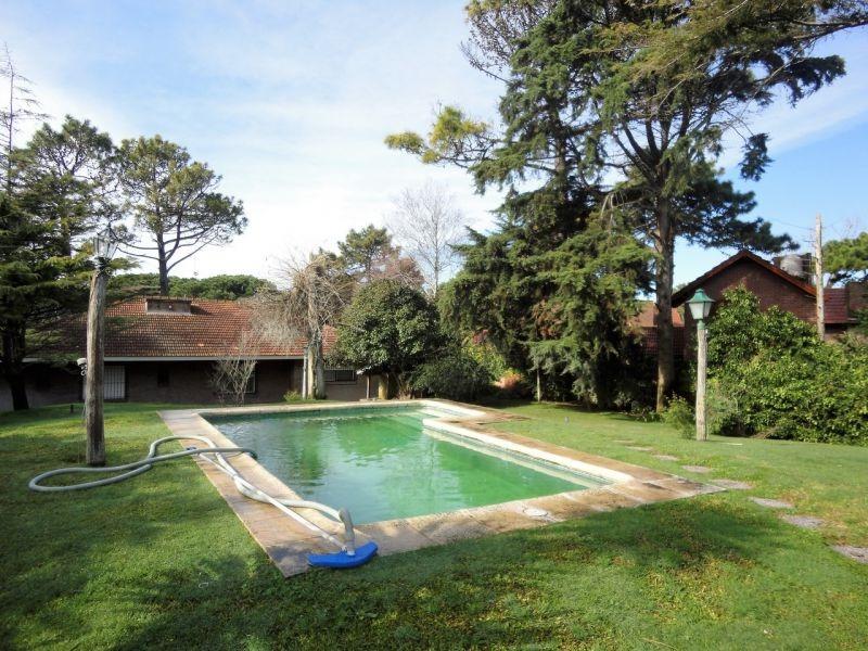 gran casa con 2 habitaciones - piscina y departamento 2 amb