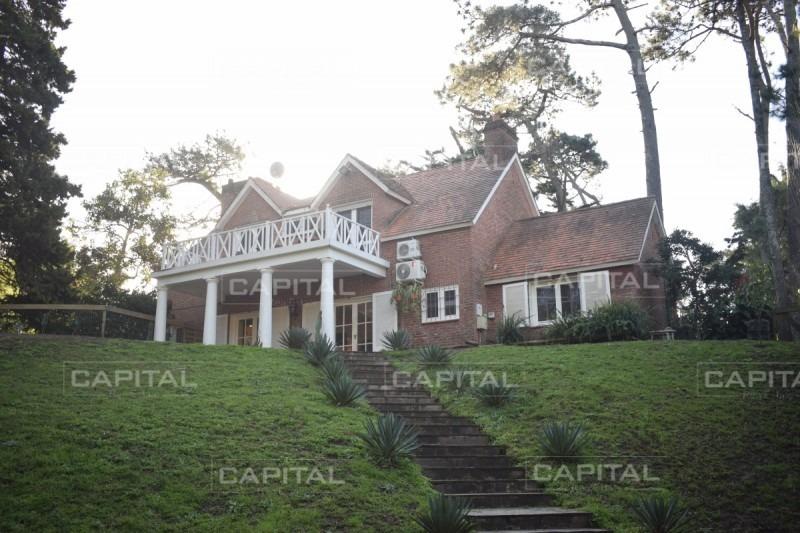 gran casa de cuatro dormitorios en punta del este-ref:28278