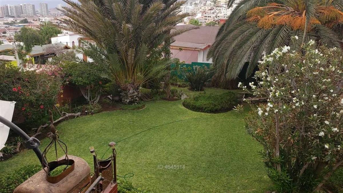 gran casa en casco antiguo jardines del