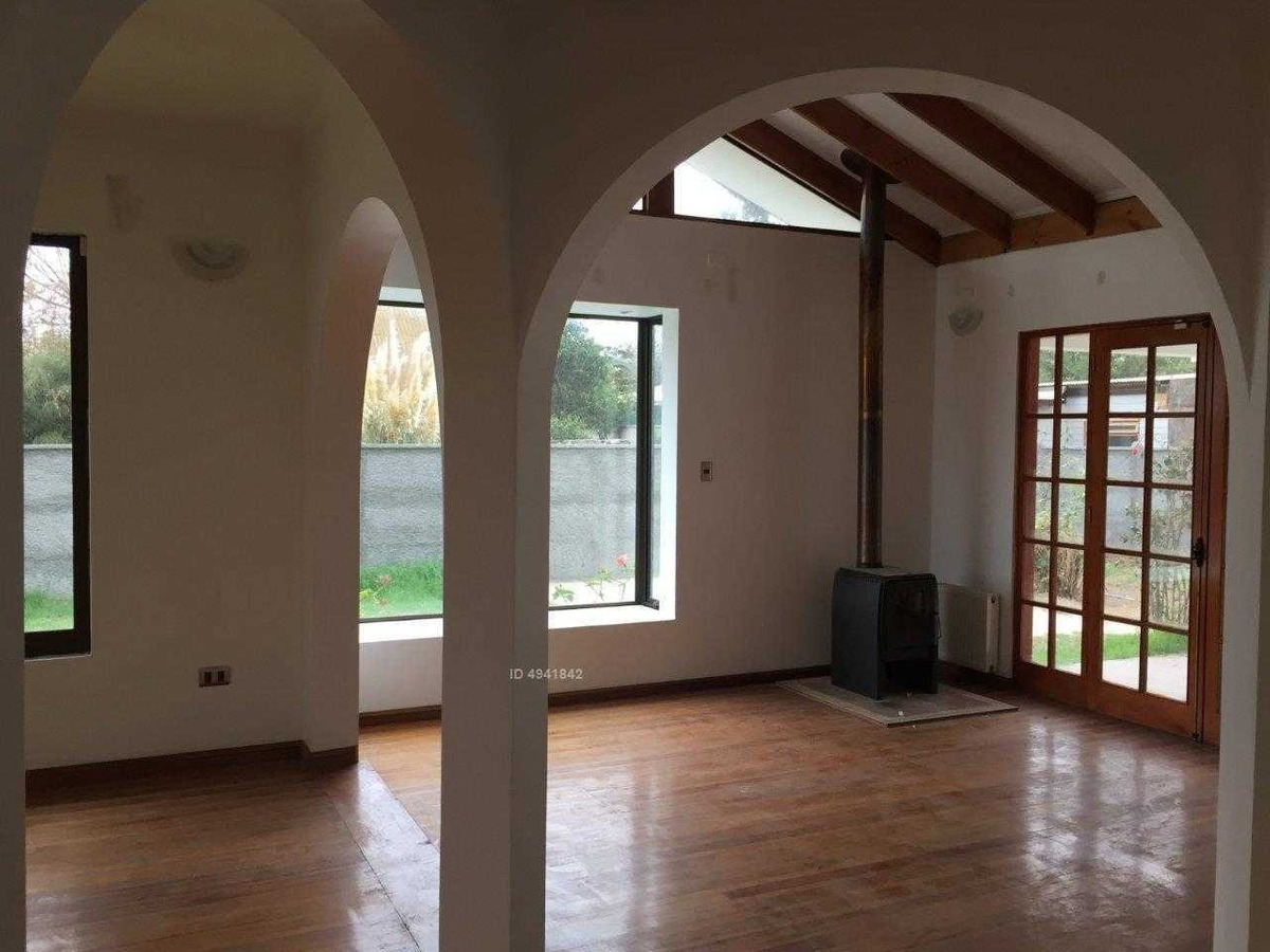 gran casa en venta en el centro de villa alemana