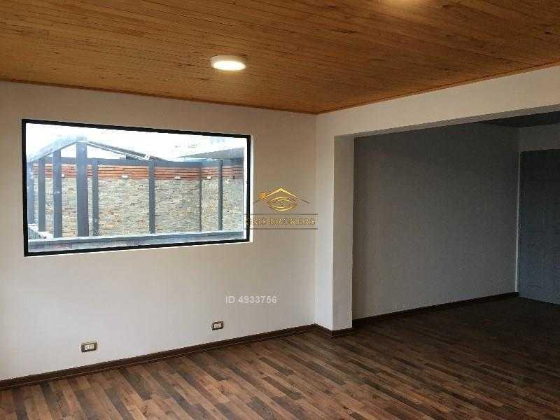 gran casona recién remodelada en centro de pichilemu, ideal para hostal, restaurant y café 4 pisos, excelente vista