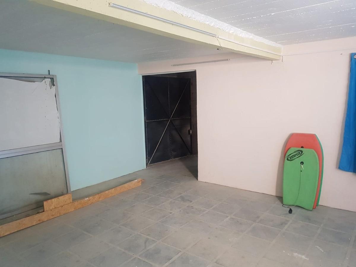 gran galpón de 150 m2 solymar alquiler