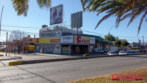 gran local comercial en alquiler sobre av. san martín. villa carlos paz!