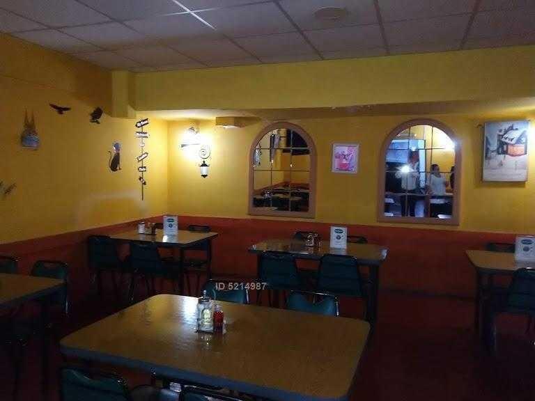 gran local comercial en arriendo apto todo rubro en galeria comercial , santiago centro.