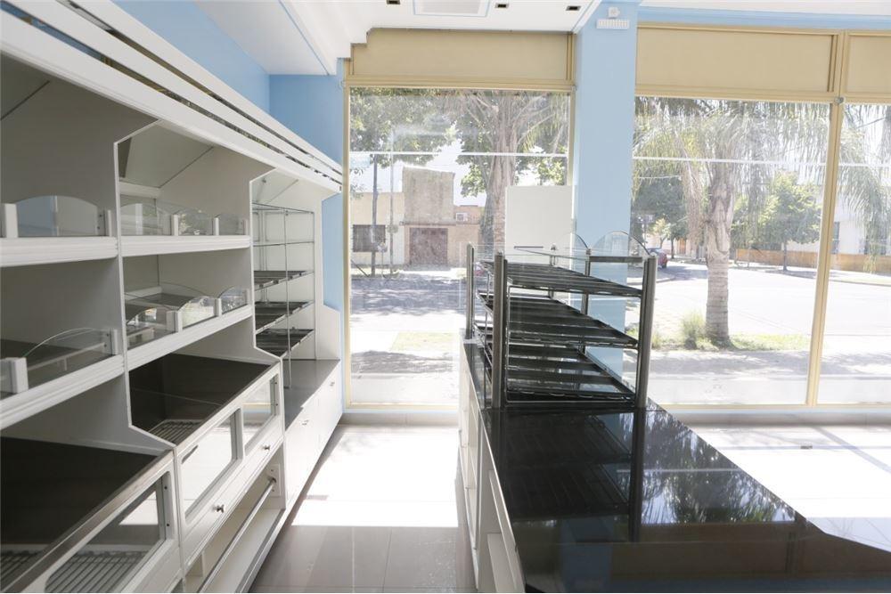 gran local comercial - panaderia y confirteria