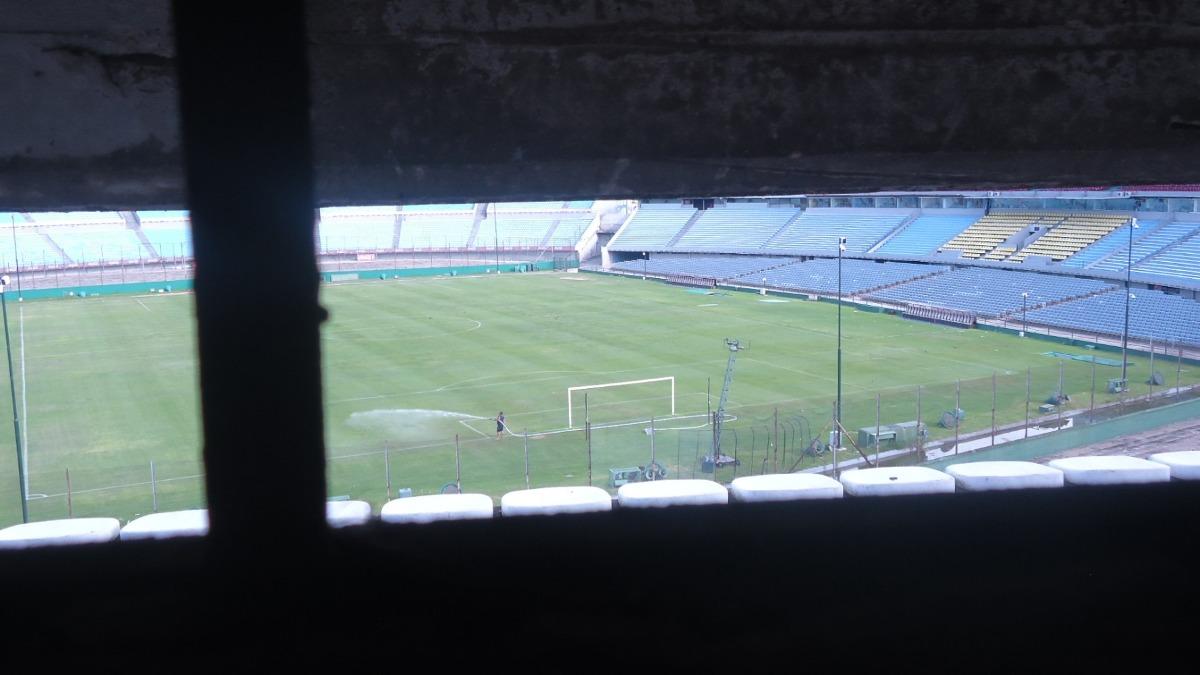 gran local en excelente ubicacion estadio centenario.