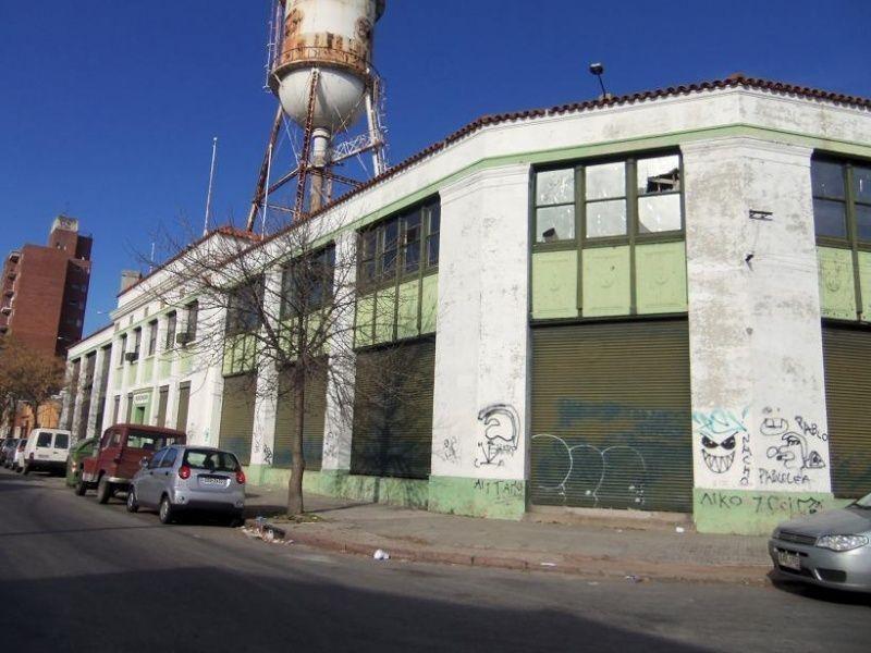 gran local para deposito - logistica - cuaro a 100 mts. de br. artigas