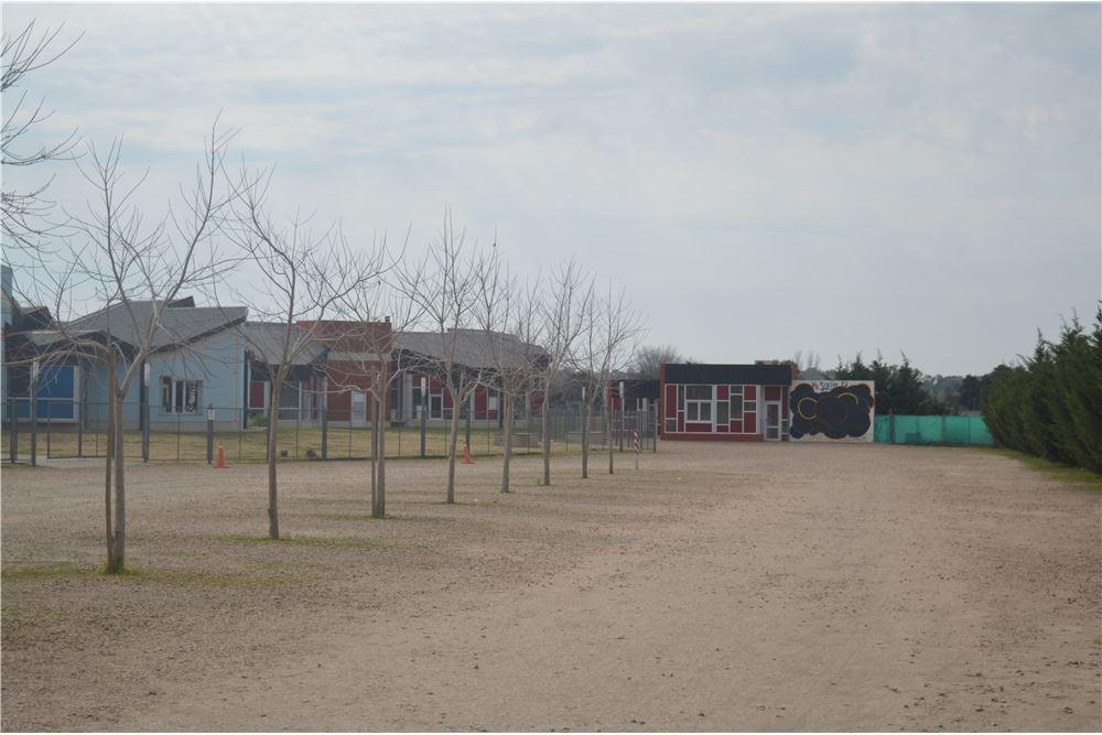 gran lote barrio cerrado los juncos lujan 1000m2