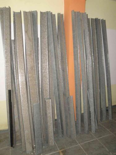 gran lote de repisas hechas de lamina galvanizada