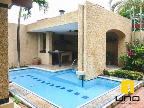 gran oferta amplia y cómoda casa con piscina en  las palmas