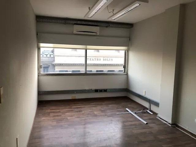 gran oficina ubicación ideal en ciudad vieja plena plaza ind