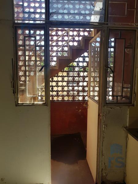 gran oportunidad dpto de 3 dormitorios con cochera a reciclar, en barrio república de la sexta !