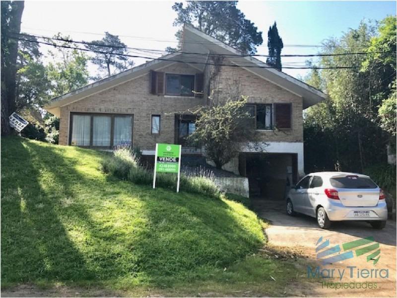 gran oportunidad en venta... casa de dos plantas en pinares, punta del este!!!-ref:1952
