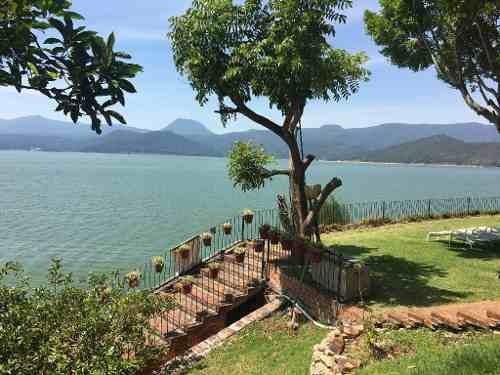 ¡gran oportunidad! magnifica propiedad con agradable orientación, clima, vista y acceso al lago.