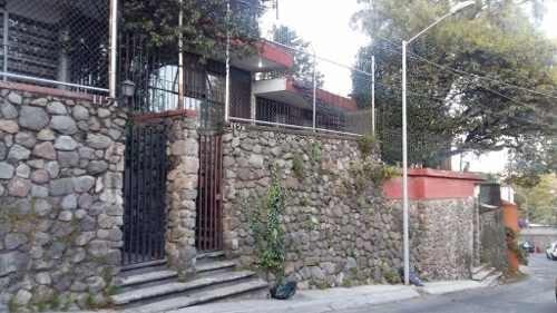 gran oportunidad!! venta de casa en calle cerrada, dentro de una de las mas exclusivas colonias en s