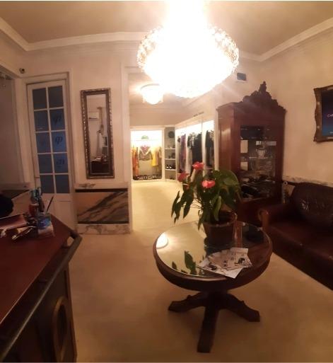 gran presencia - en 2 plantas - 3 o más habitaciones