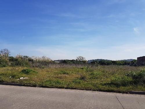 gran terreno 2500m2 en parque industrial de quilmes oeste