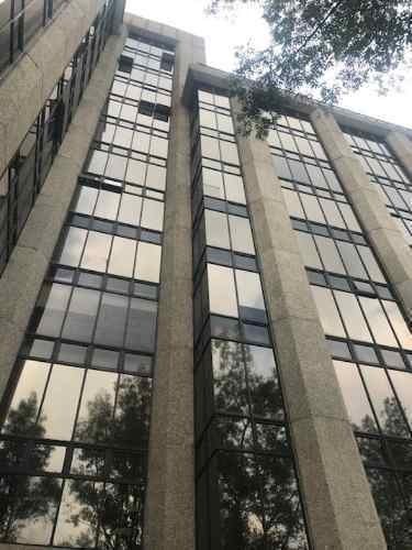 granada amplia oficina de 422m2, 5 estacionamientos, vigilan