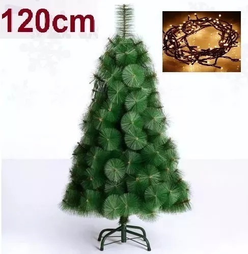 grande arbol de navidad frondoso