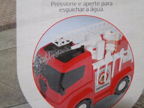 grande caminhão bombeiro bomba agua acessorios escada gira