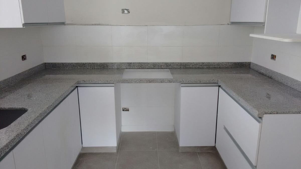 Granitos m rmol cuarzo rojo blanco negro gris crema s for Como desmanchar el marmol blanco