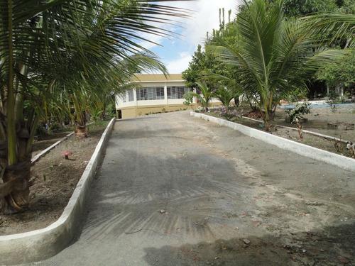 granja acesso asfaltado, fruteiras, canil, aviário, etc.