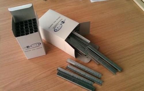 grapa o gancho para grapadora neumatica industrial  80-10