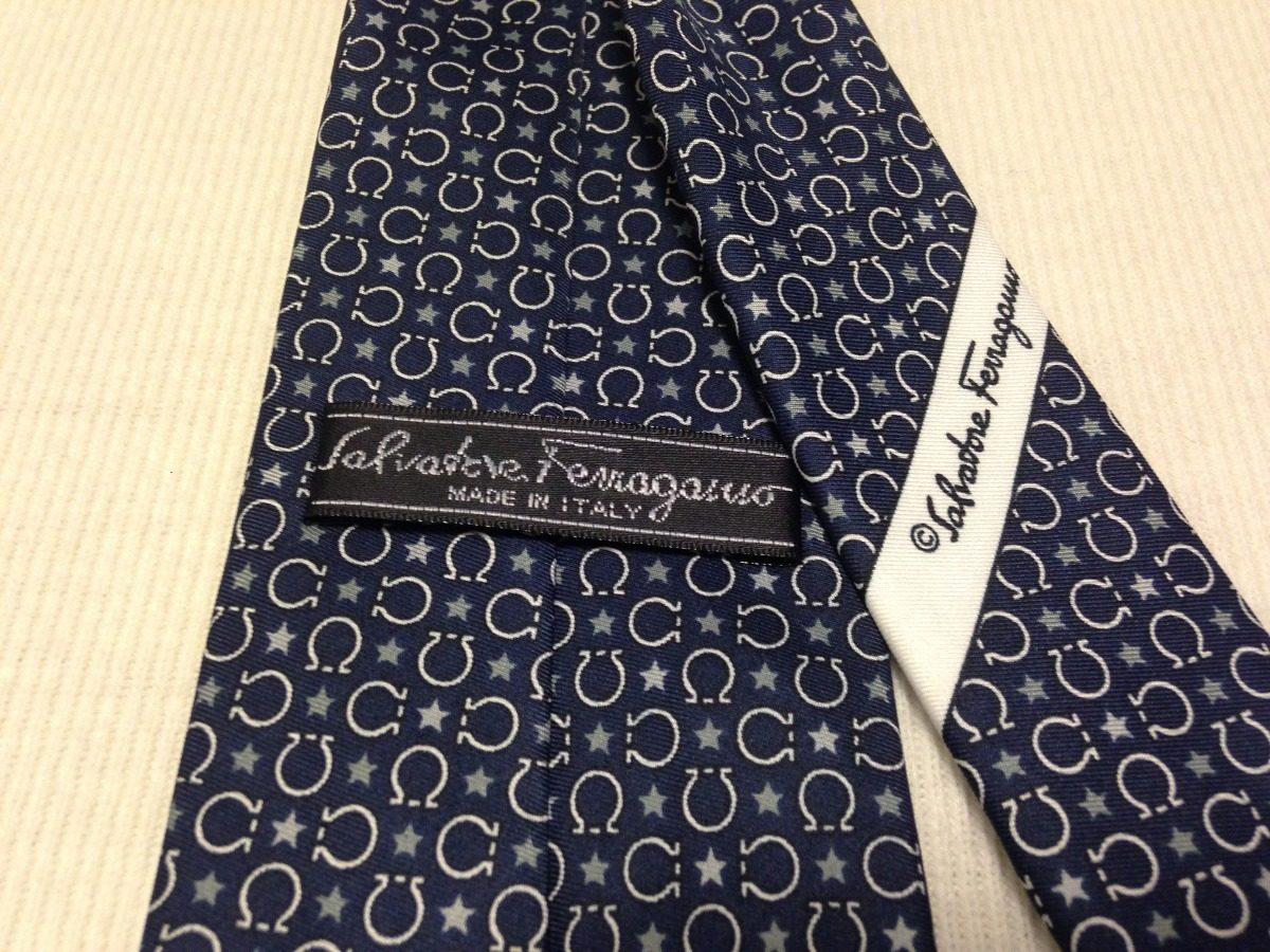 90f4d043b0971 Gravata Salvatore Ferragamo Azul Marinho Ferradura - R  260,00 em ...