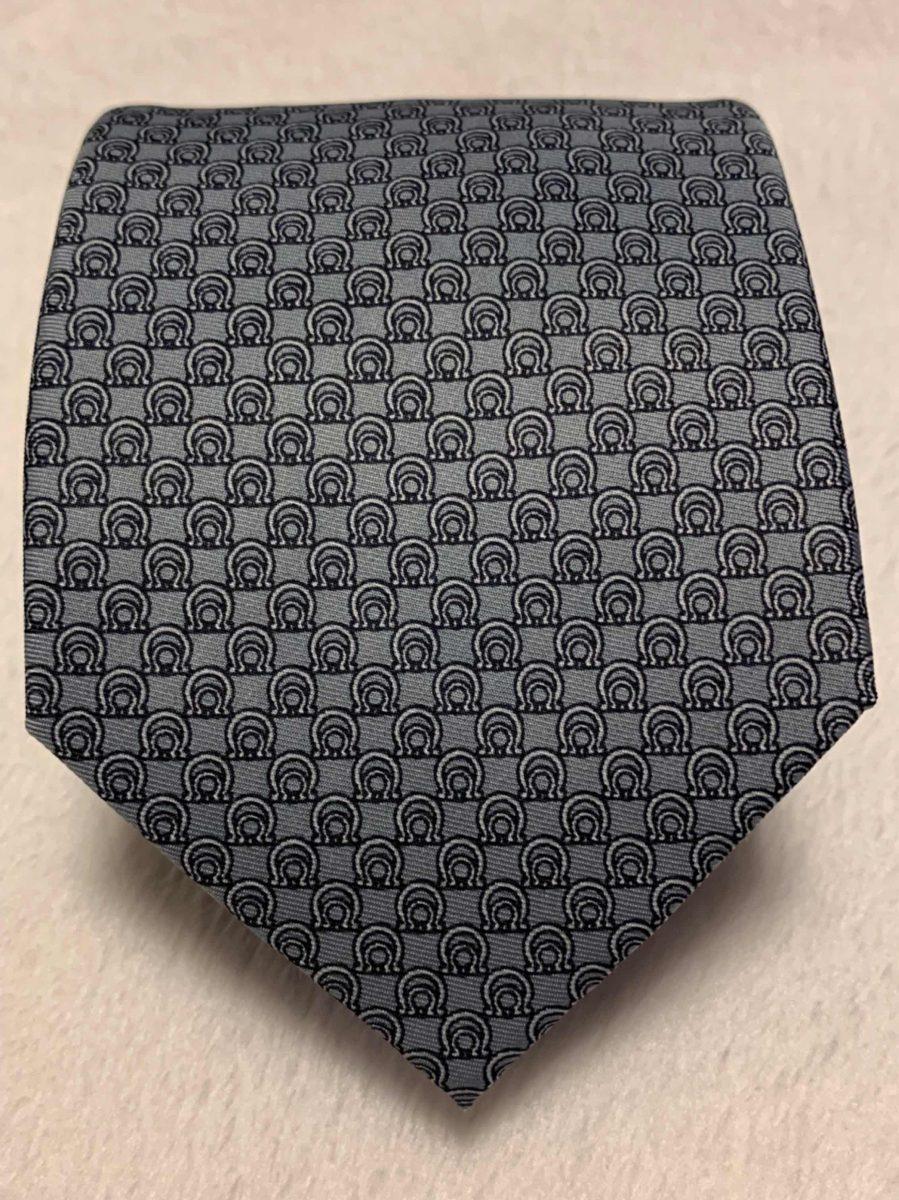 091b345c748e7 gravata salvatore ferragamo cinza classica. Carregando zoom.