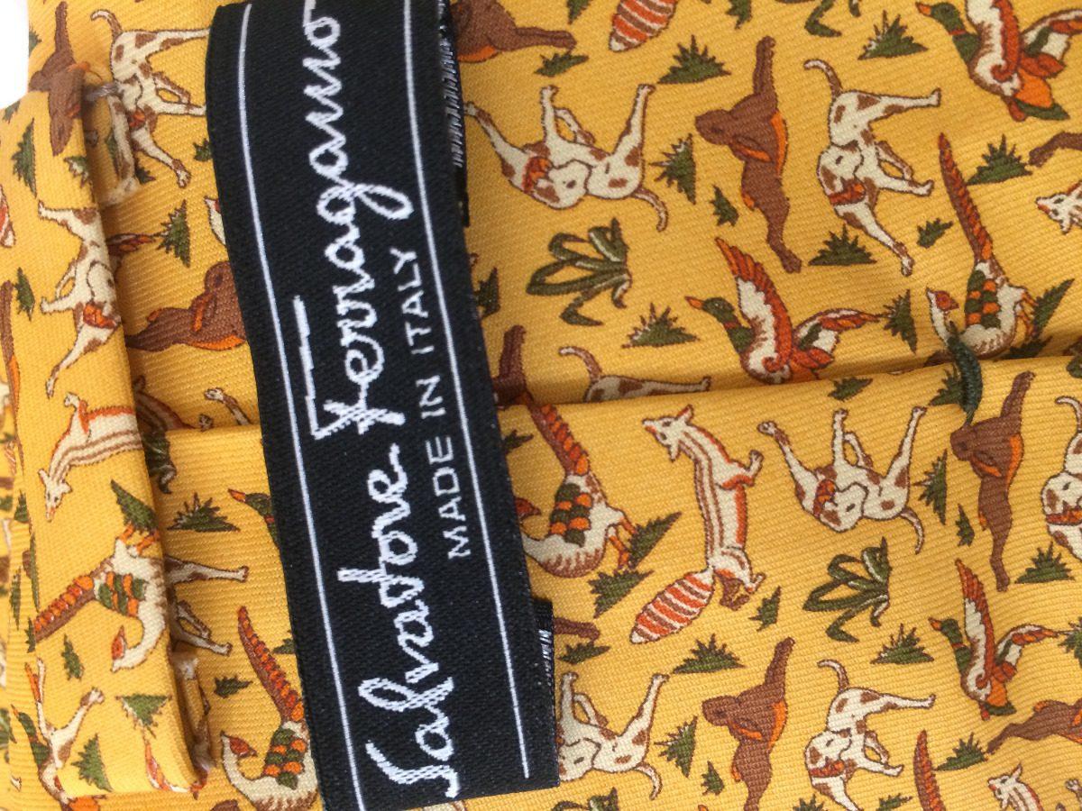 4e944cf83035f gravata salvatore ferragamo original estampada com cães. Carregando zoom.