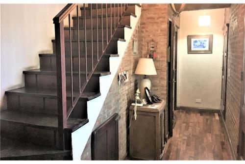 greenlands casa, 3 suites. pileta. cochera