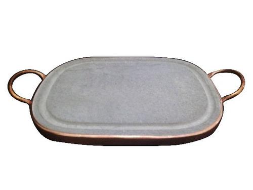grelha retangular com aro e alça em cobre de 25 x 35 cm