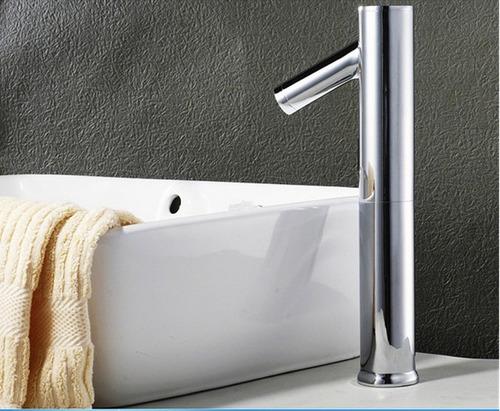 grifo  automático sensor lavamanos sobre muro