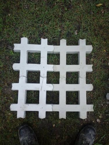 grilla bloque para cesped-garden block- baldosas