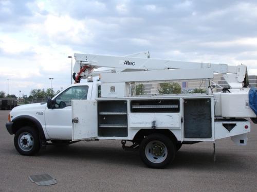 grua 4x4 f-550 diesel altec canastilla hidráulica aislada 13