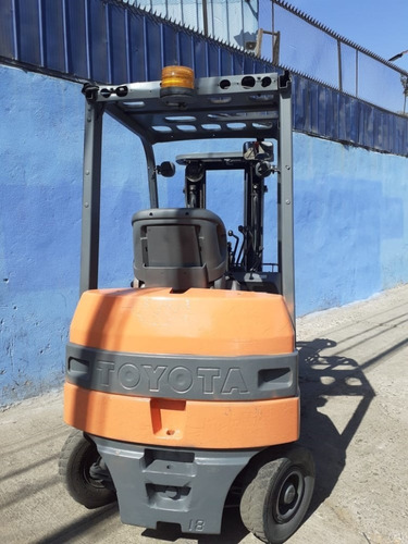grua electrica toyota 1.800 kg