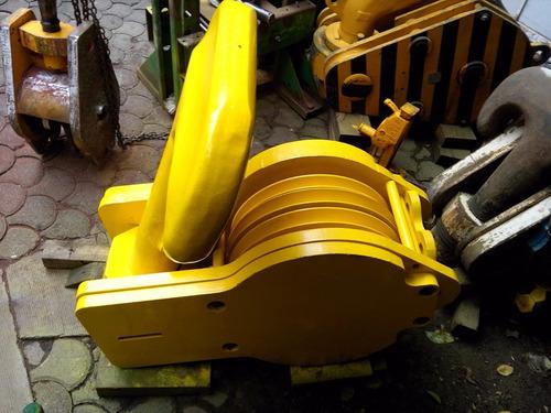 grua  gancho tipo doble ancla de 80 ton 3 poleas