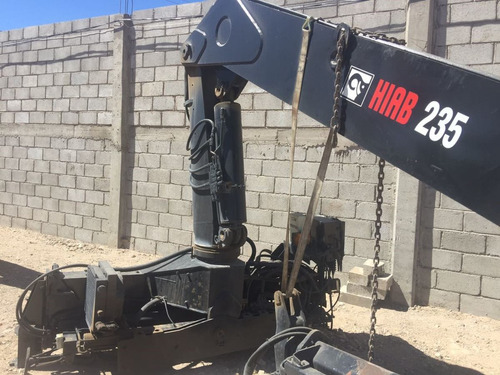 grua hiab mod 235k  para tarimas de cemento,block,azulejo