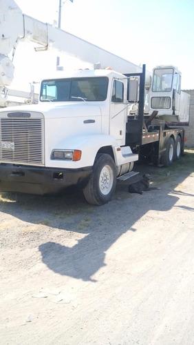 grua montada sobre camion 22 ton