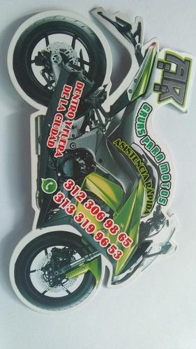grúa para motos y conductor elegido