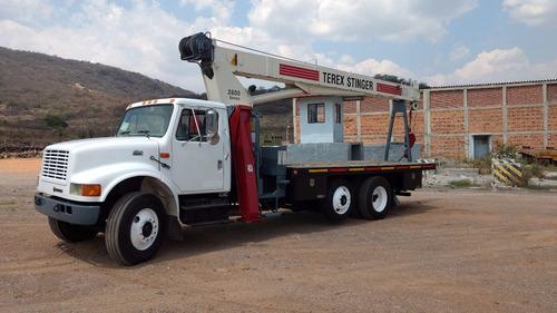 grua titan 1999 14.5 ton. esta impecable  4000 horas