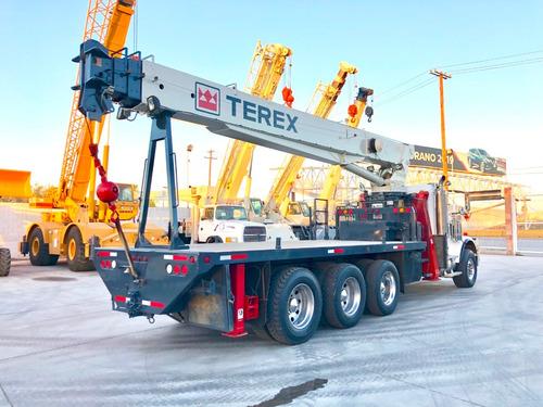 grua titan terex de 23.5 ton sobre camión freightliner 2006